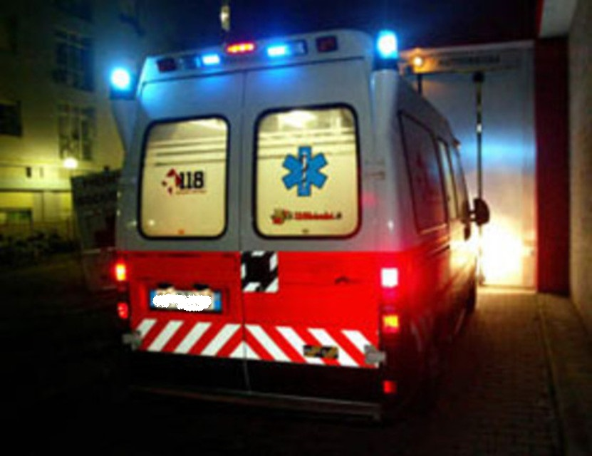 1152_big_ambulanza-118-notte-2