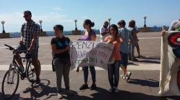 Pediatri-di-Taranto-aspettano-di-parlare-con-Renzi