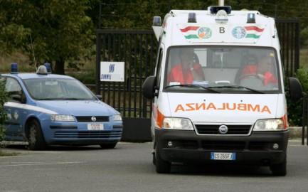 Bisceglie, sparatoria in centro: ucciso un 57enne, ferita la moglie
