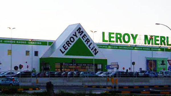 Brindisi trio in gonnella accusato di furto al leroy for Leroy merlin lecce