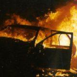 auto-incendiata3
