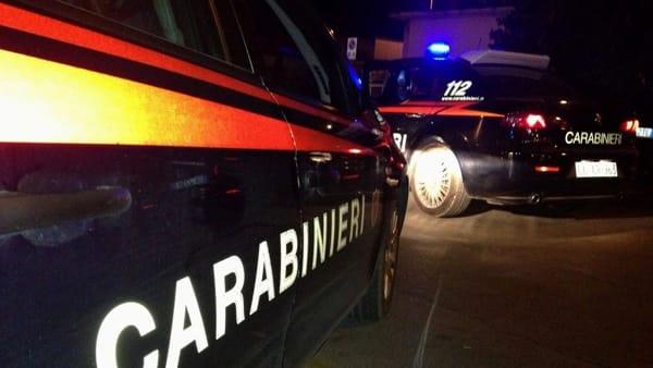 Milano, picchiava e rapinava anziane nell'androne di casa