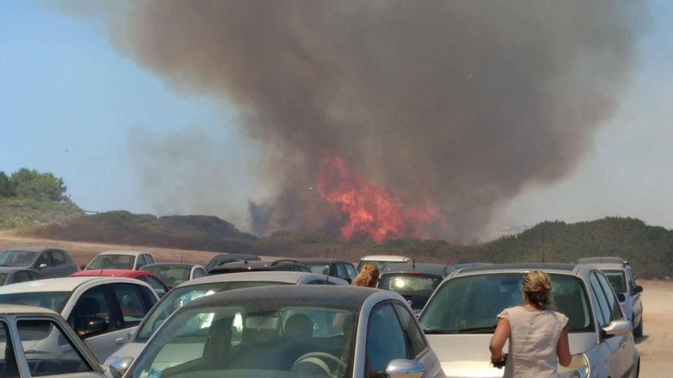 Fiamme da 24 ore a Baucina Vigili del fuoco al lavoro
