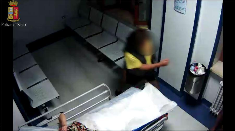 Taranto, è morta l'anziana aggredita con un cacciavite in ospedale