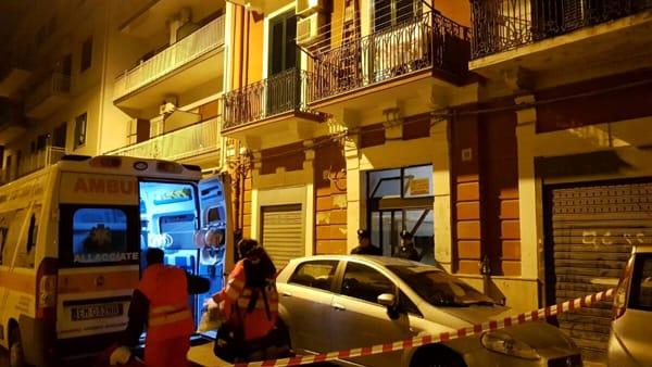 Bari - Omicidio nella notte: 33enne freddato in casa