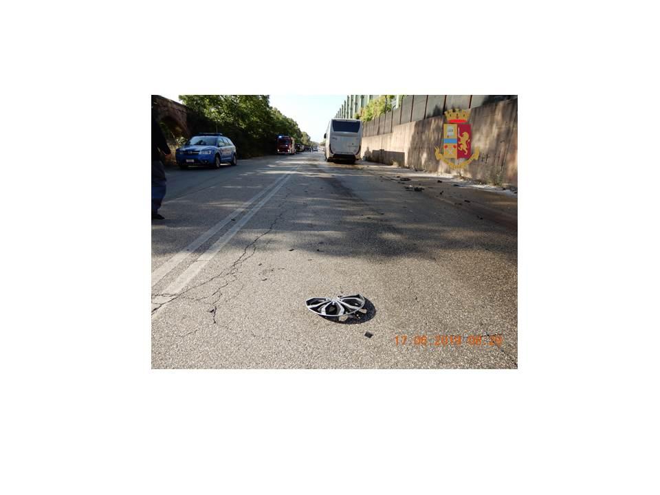 Taranto - Incidente mortale in direzione Statte: la nota stampa della polizia stradale