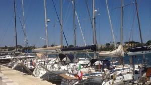 Brindisi-Corfù, barche nel porto interno 7-2