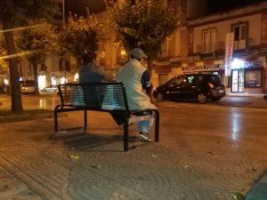 """Maria"" e ""Giuseppe "" sulla panchina di via Cesare Battisti"