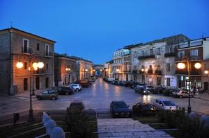 La piazza centrale del paese: la location clou della festa.