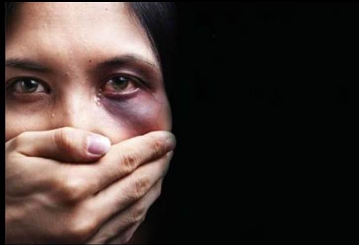 Risultato immagini per Violenza sulle donne. Quando l'omertà fa più male di un calcio in faccia