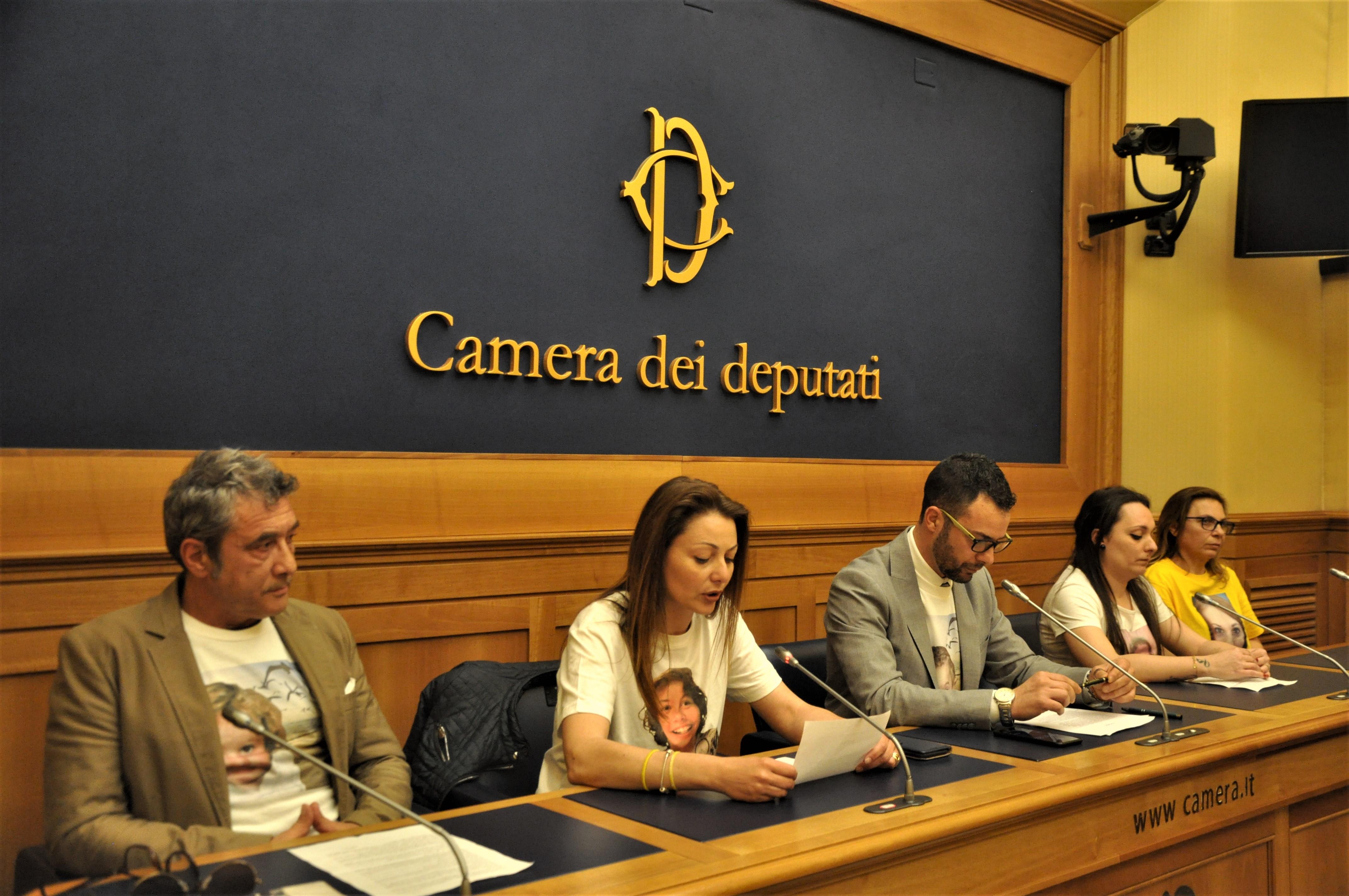 Taranto comitato niobe alla camera dei deputati for Ieri alla camera dei deputati
